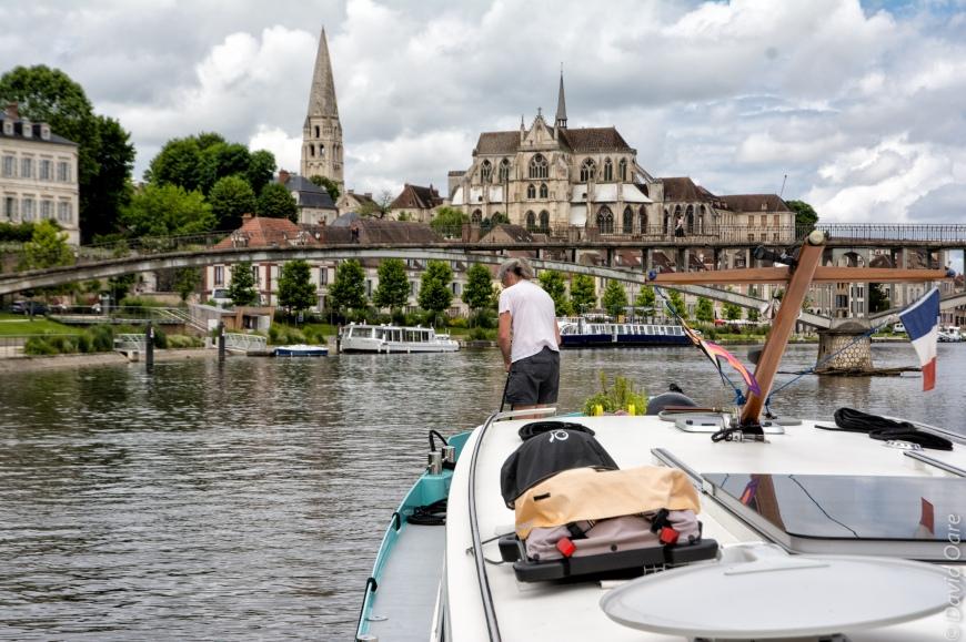 Wanderlust leaves Auxerre, finally.